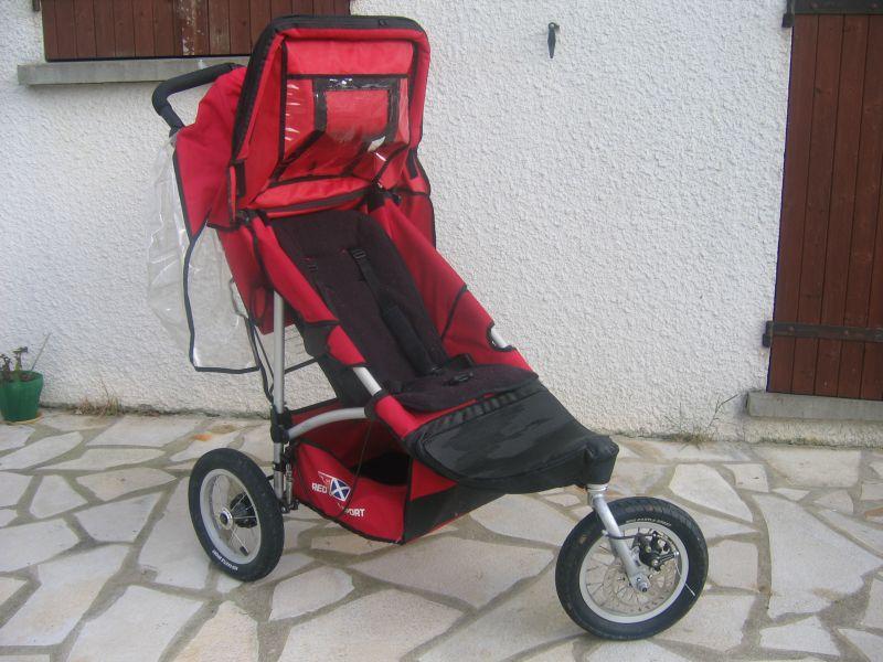 poussette 3 roues red castle sport bons plans pu riculture. Black Bedroom Furniture Sets. Home Design Ideas